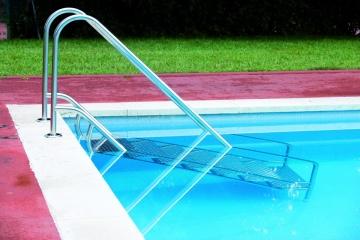 Bazenska lestev inox aisi 316 za lažji vstop v vodo